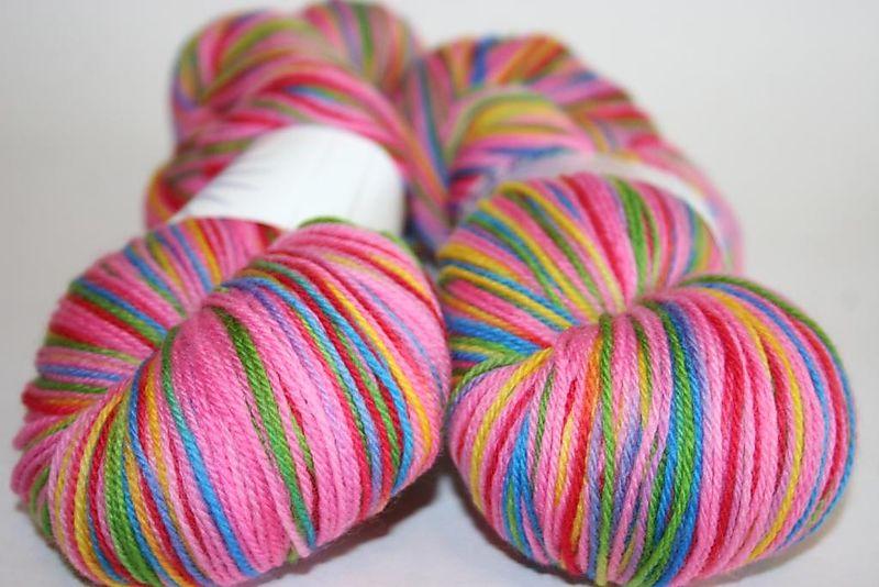Pink rainbow - stitch jones
