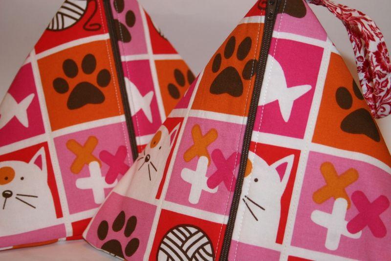 Kitty and yarn bag