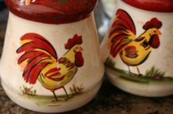 Rooster_salt_and_pepper