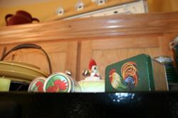 Roosters_on_fridge