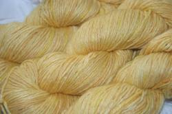 Yellow_yarn_3